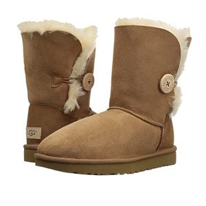 UGG Bailey Button II Boots Chestnut
